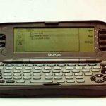 ¿Cual fue el primer celular con teclado QWERTY?