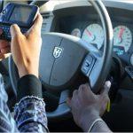 Por qué no debes Leer o enviar SMS mientras conduces