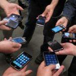 Los jóvenes de hoy prefieren el teléfono que ver TV